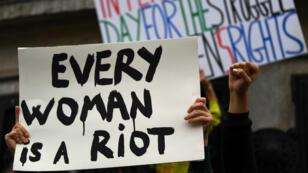 Manifestation à Paris lors de la journée des droits des femmes, le 8 mars 2017