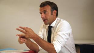 Le président Emmanuel Macron lors d'une visio-conférence depuis le Fort de Bregançon, le 11 août 2020