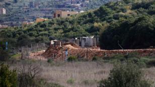 Un poste de l'armée israélienne à la frontière séparant Israël et le Liban, le 21 décembre 2018, près du village libanais de Ramyeh.