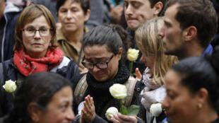 Marche blanche en hommage à Christine Renon, directrice d'une crèche qui s'est suicidée après avoir dénoncé la détérioration des conditions de travail des directeurs d'école, le 5 octobre 2019 à Pantin.