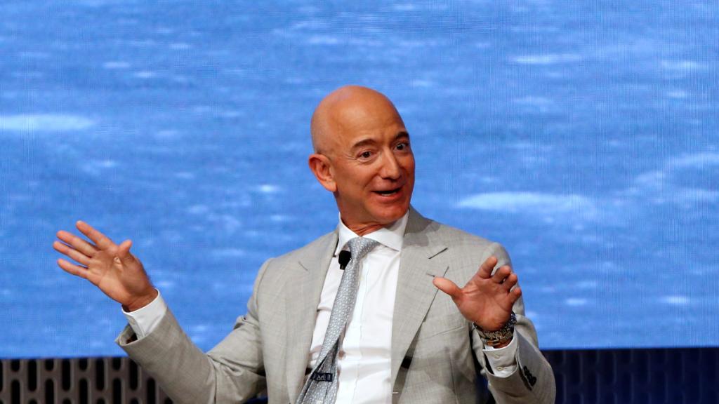 Jeff Bezos, CEO de Amazon, durante un acto de celebración del 50 aniversario de la llegada a la luna.