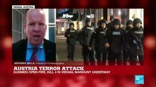 2020-11-03 10:30 Manhunt underway in Vienna after 'Islamist gunman' kills 4, FRANCE 24's Anthony Mills reports