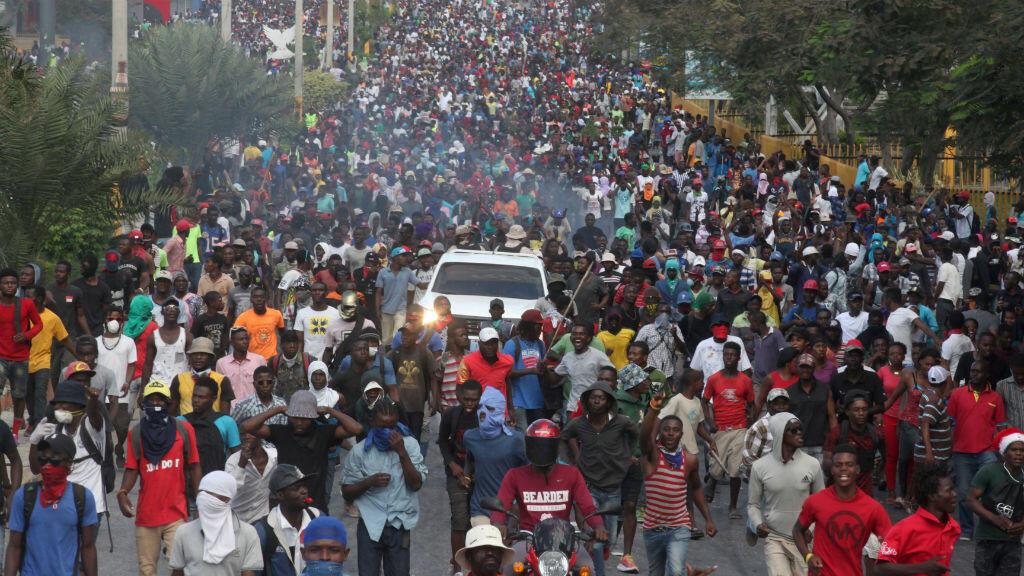 Manifestantes participan en una protesta antigubernamental en Puerto Príncipe, Haití,el 12 de febrero de 2019.