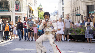 Norwegian Elvis Presley impersonator Kjell Henning Bjornestad sang The King's hits for more than 50 hours