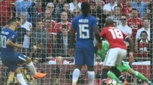 إدين هازارد يسجل هدف الفوز لتشلسي أمام مانشستر يونايتد بنهائي كأس إنكلترا 2018/05/19