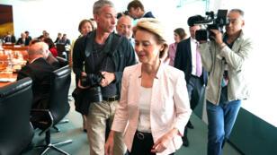 Ursula von der Leyen arrive à la chancellerie, à Berlin, le 3 juillet.