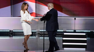 Melania Trump est venue parler de son mari Donald sur la scène de la Convention de Cleveland, lundi 18 juillet 2016.