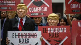 Le président américain fait l'unanimité contre lui au Mexique.