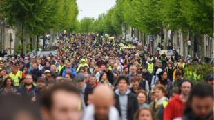 Pour le 24e samedi consécutif, les Gilets jaunes manifestaient. Ici, à Bordeaux samedi 27 avril.
