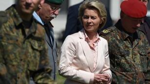 La ministre allemande de la Défense Ursula Von der Leyen est considérée comme l'étoile politique montante en Allemagne.