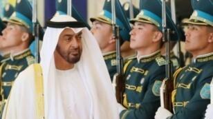 ولي عهد أبوظبي الشيخ محمد بن زايد آل نهيان في أستانا في 4 من تموز/يوليو 2018
