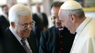 Le pape avait reçu le président de l'Autorité palestinienne Mahmoud Abbas en audience privé, le 17 octobre 2013.