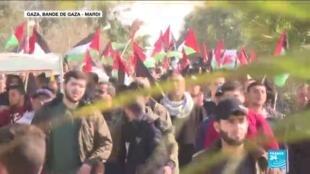 2020-01-29 13:40 Plan de paix au Proche-Orient : Dollars et photos de Trump brûlés dans les rues palestiniennes