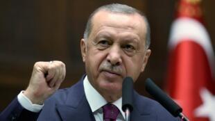Recep Tayip Erdogan devant le groupe parlementaire de son parti à Ankara, le 30 octobre 2019.