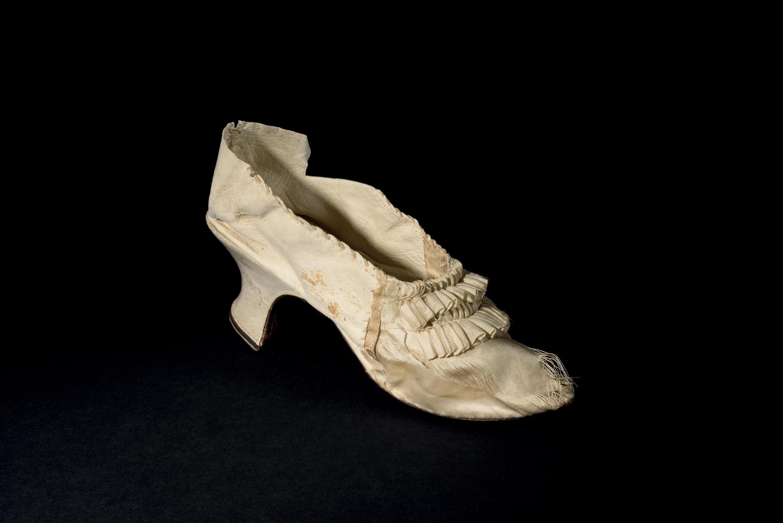 Soulier de Marie-Antoinette mis en vente aux enchères