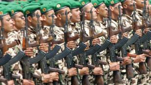 Des militaires marocains lors d'un défilé, le 14 mai 2006 à Rabat.