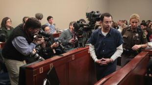 Larry Nassar lors  de son procès à Lansing dans le Michigan, le 16 janvier 2018