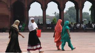 Des femmes musulmanes dans une mosquée de New Delhi, le 22 août 2017.