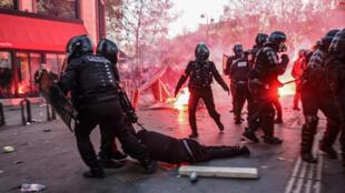 police - riot - paris