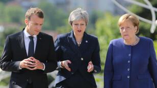 Emmanuel Macron, la Première ministre britannique, Theresa May et la Chancelière allemande,  Angela Merkel à Sofia en Bulgaria, le 17 mai 2018.