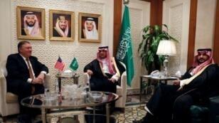 عادل الجبير وسفير المملكة لدى واشنطن الأمير خالد بن سلمان في الرياض. 16 تشرين الأول/أكتوبر 2018.