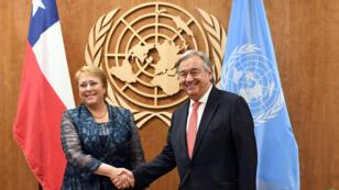 El Secretario General de las Naciones Unidas, Antonio Guterres , se reúne con la Presidenta de Chile, Michelle Bachelet, el 21 de septiembre de 2017 en las Naciones Unidas en Nueva York.