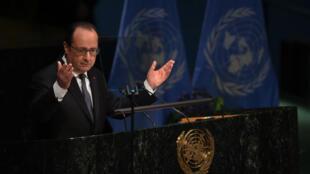 François Hollande a prononcé un discours lors de la cérémonie de signature officielle de l'accord de Paris le 22 avril 2016 à New York.