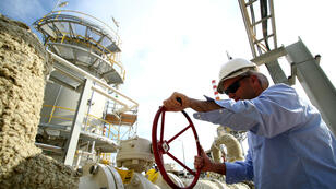 L'Arabie saoudite exige que l'Iran gèle également sa production de pétrole.