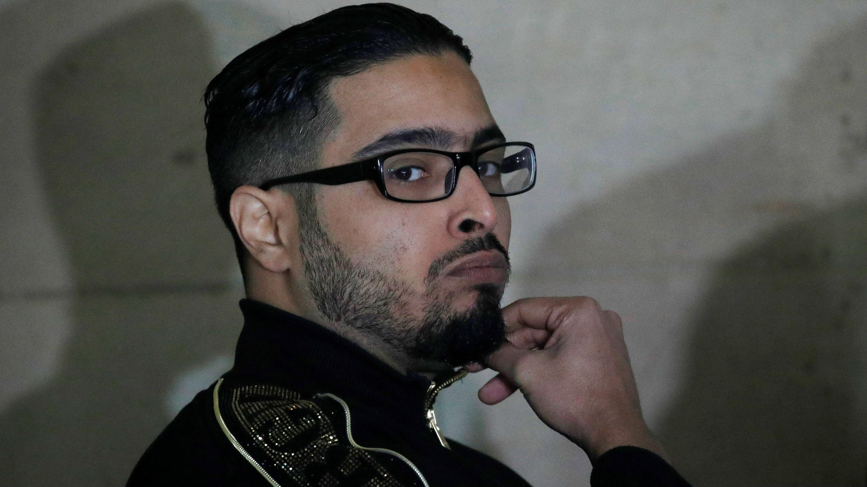 El acusado de alquilar el apartamento en el que se escondieron los organizadores los atentados del 13 de noviembre de 2015 en París y Saint Denis, Jawad Bendaoud, antes de su juicio de apelación en el Palacio de Justicia, en París (Francia). 21 de noviembre de 2018.