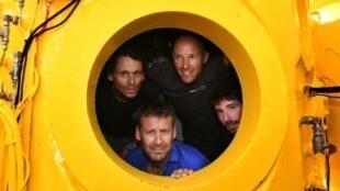 الغواصون الأربعة عند عودتهم لليابسة بعد 28 يوما في عمق 120 مترا في قاع المتوسط - 28 يوليو/تموز 2019