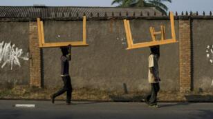 Des dizaines de milliers de personnes ont fui le Burundi depuis le 26 avril, date à laquelle le président Pierre Nkurunziza a annoncé son intention de briguer un troisième mandat.