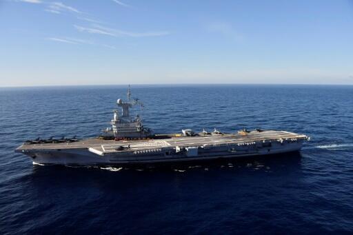 Le porte-avions Charles de Gaulle, après sa rénovation ayant duré 18 mois, au large de Toulon, le 8 novembre 2018.