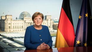 المستشارة الألمانية أنغيلا ميركل وهي تخاطب  الشعب الألماني بشأن تدابير وإجراءات وقائية من فيروس كورونا، برلين، ألمانيا، 18 مارس/ آذار 2020.
