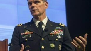الجنرال الأمريكي جوزف فوتيل