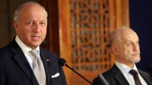Laurent Fabius aux côtés de son homologue irakien Hussein Chahristani, le 10août.