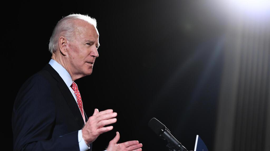 """Joe Biden fait polémique en déclarant qu'un Noir n'est """"pas noir"""" s'il vote Trump"""