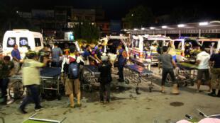 Les secours sur les lieux du drame dans la province de Yala, en Thaïlande, le 6 novembre 2019.