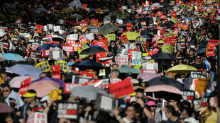 La mobilisation a atteint des records dans les rues de Hong Kong, jusqu'à un million de personnes le 9 juin et près de deux millions le 16 juin.