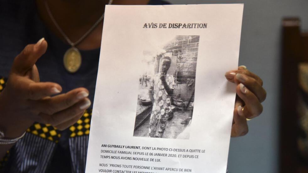 Un avis de disparition avait été émis après le départ de Laurent Barthélémy Ani Guibahi. L'adolescent de 14 ans a été retrouvé mort le 8 janvier 2019 dans le train d'atterrissage d'un avion reliant Abidjan à Paris.
