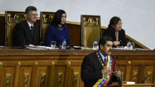 Le président vénézuélien Nicolas Maduro devant l'Assemblée nationale le 15 janvier 2016.