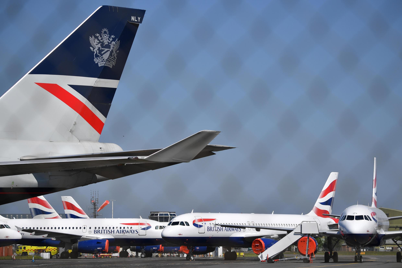 Unos aviones de la compañía British Airways, aparcados en el aeropuerto de Bournemouth, en el sur de Inglaterra, el 6 de mayo de 2020