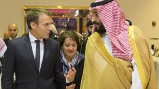 Emmanuel Macron s'est rendu en Arabie saoudite jeudi 9 novembre 2017 pour une courte visite alors que les tensions entre Riyad et Téhéran se sont accrues depuis une semaine.