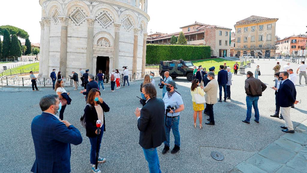 La icónica torre torcida de Pisa reabrió sus puertas con estrictas medidas de seguridad.