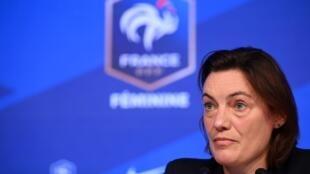 La sélectionneuse des Bleues, Corinne Diacre, en conférence de presse à Paris, le 9 février 2021