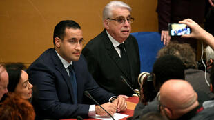 Alexandre Benalla et Jean-Pierre Sueur (PS), co-rapporteur avec Muriel Jourda (LR) de la commission d'enquête sénatoriale, le 21 janvier 2019.