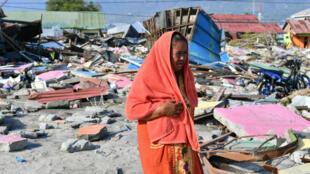 Une survivante du séisme dans la ville de Palu, le 3 octobre 2018.