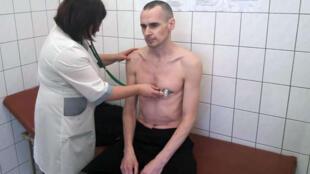 Photo de l'Ukrainien Oleg Sentsov lors d'un examen médical, diffusée par les autorités pénitentiaires russes le 29 septembre 2018.