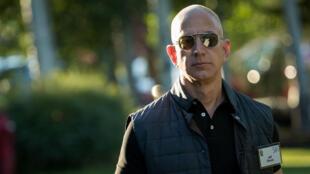 Jeff Bezos, fundador de Amazon, cuya fortuna ascienda a los 100.300 millones de dólares.