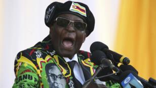 L'ancien président du Zimbabwe Robert Mugabe lors d'un discours à Bulawayo, le 4 novembre 2017.