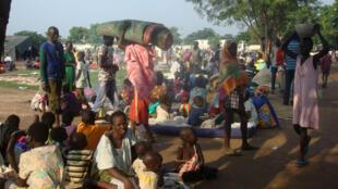 Pas moins de 3000 hommes, femmes et enfants ont été abrités dans des camps de la Minuss, autour de Juba, après avoir fui les combats.